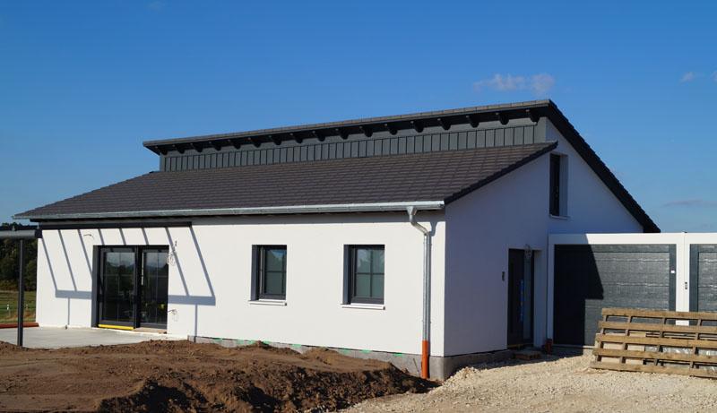 Holzhaus mit Pultdach